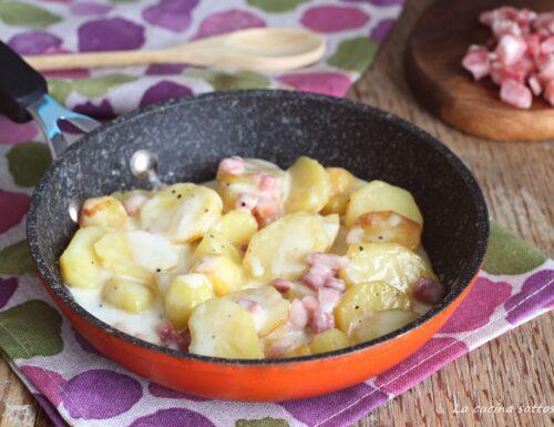Patate e pancetta in padella allo stracchino