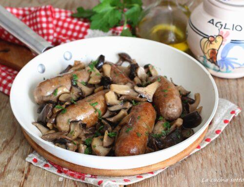 Salsiccia e funghi in padella