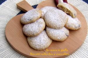 Biscotti radicchio e cioccolato