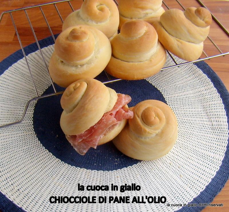 Chiocciole di pane all'olio