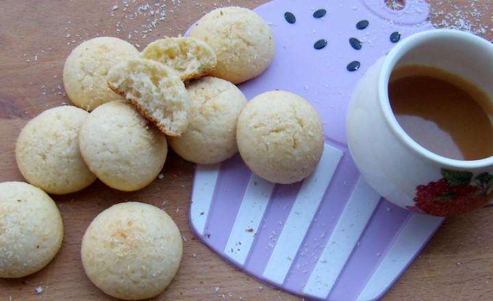 Biscotti cocco e ricotta
