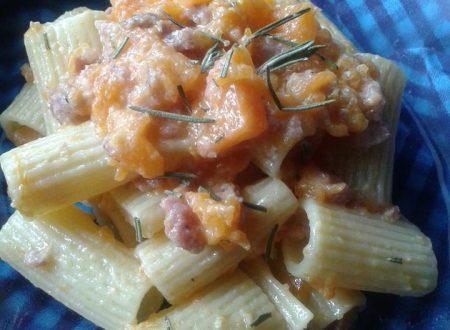 Pasta con Ciauscolo e zucca