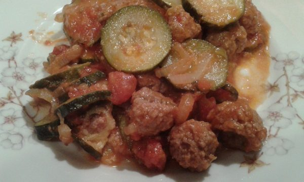 Polpette e zucchine in umido