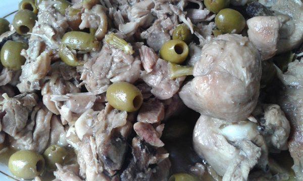 Pollo in casseruola con olive
