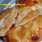 Fagottini ripieni di mele al profumo di cannella