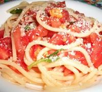 Spaghetti con il pomodoro freddo