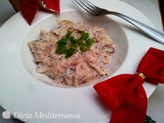 Farfalle salmone, panna, caviale e pomodoro by Dieta Mediterranea