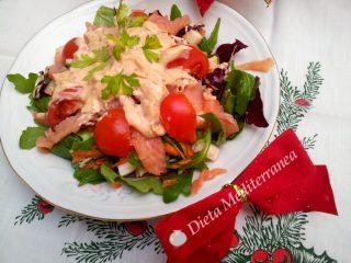 Insalata salmone, rucola, radicchio e pomodorini by Dieta Mediterranea