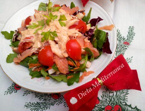 Insalata salmone, rucola, radicchio e pomodorini