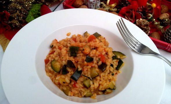 Risotto ai gamberetti, zucchine e pomodorini