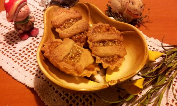 Barchette e Crostatine farcite con Pera dei Monti Sibillini