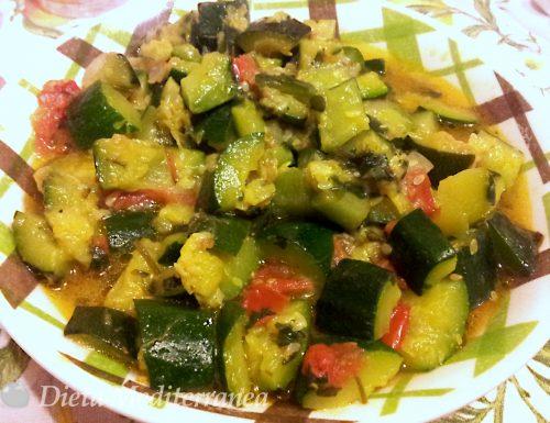 Zucchine e pomodorini in umido