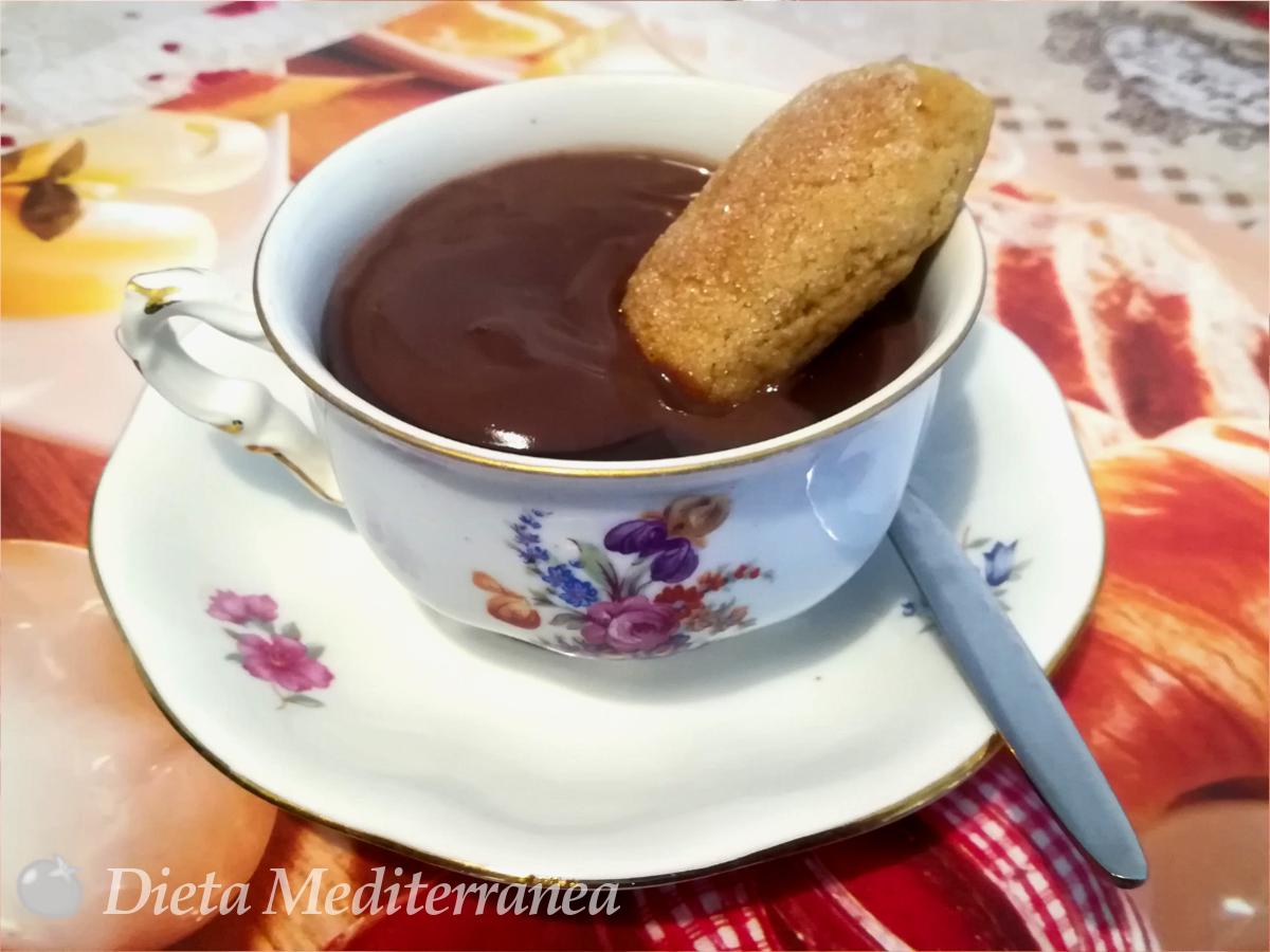 Biscotti INZUPPOTTI e cioccolata calda by Dieta Mediterranea