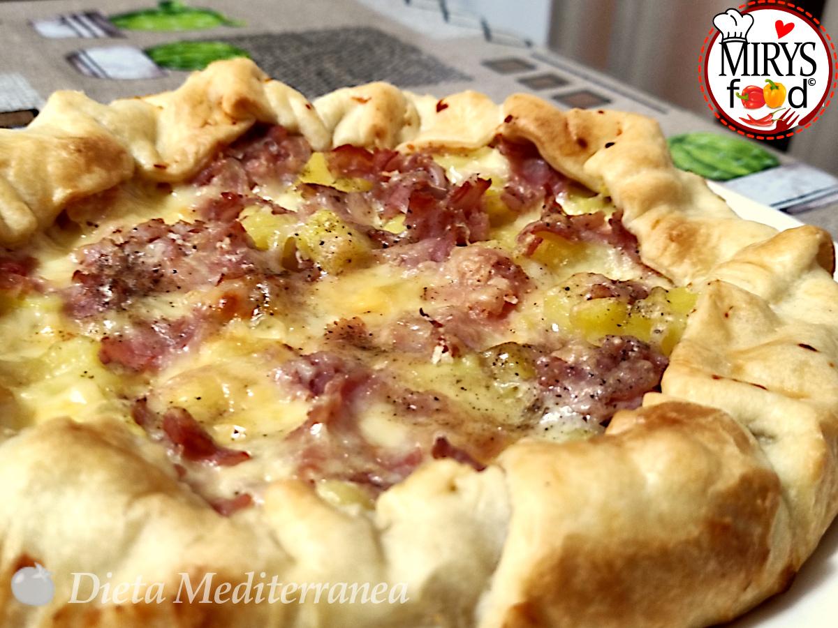 Torta RUSTICA con Patate, Prosciutto di Praga e Scamorza affumicata al Rosmarino by MIRYS food di Dieta Mediterranea