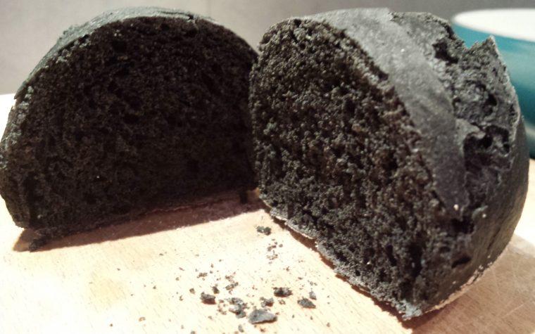 Le ricette della Lady: pane al carbone vegetale