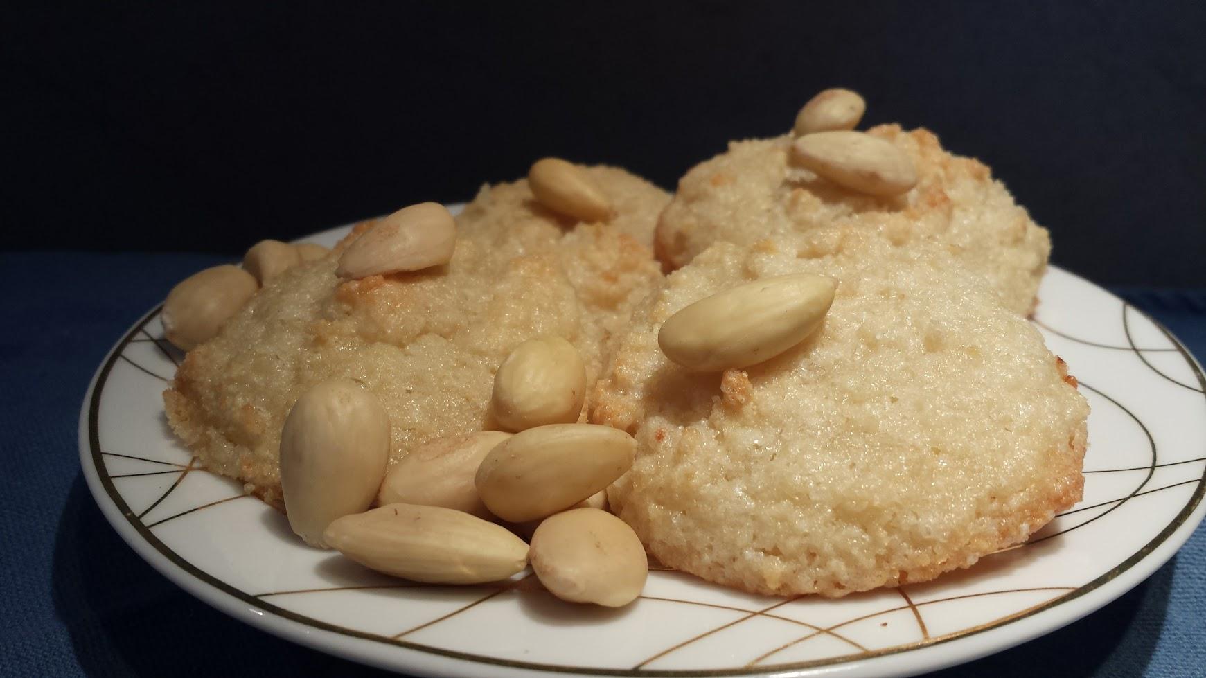 Le ricette della Lady: pasticcini morbidi (e veloci) alle mandorle
