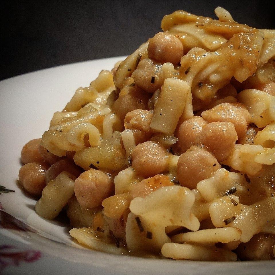 Le ricette della Lady: pasta con ceci, patate e rosmarino