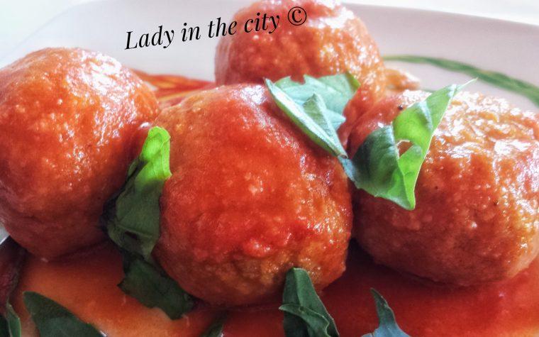 Le ricette della Lady: polpette al ragù con cuore di Provolone del Monaco