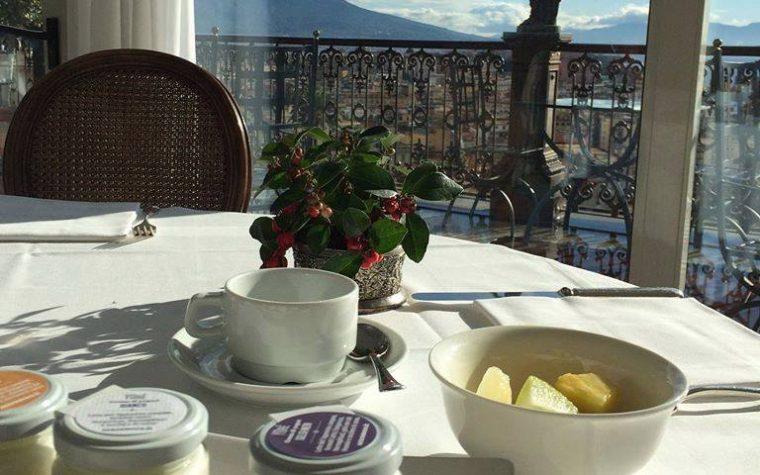 8 marzo al Grand Hotel Parker's di Napoli: a colazione con le piccole donne di Teresa Cervo