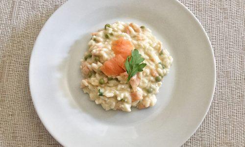 Risotto salmone e piselli , video ricetta