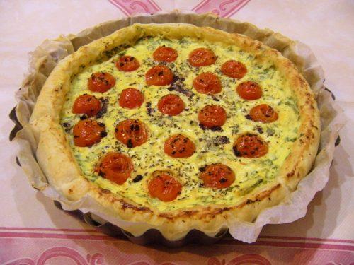 Torta salata pomodorini ricotta e rucola