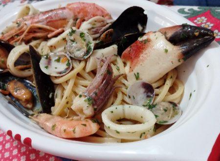 Spaghetti quadrati con frutti di mare