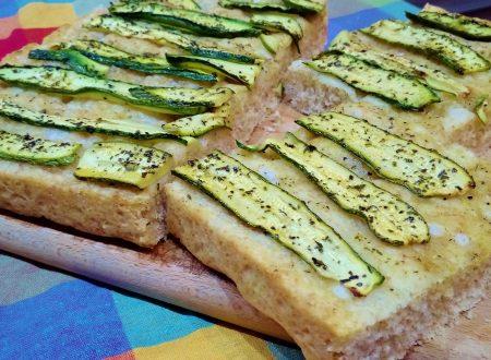 Focaccia con zucchine e origano