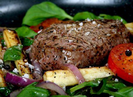 Filetto ai tre pepi con verdure grigliate