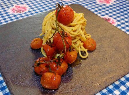 Spaghetti alla chitarra con pomodorini confit