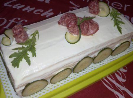Torta tramezzino salame rucola e pomodori