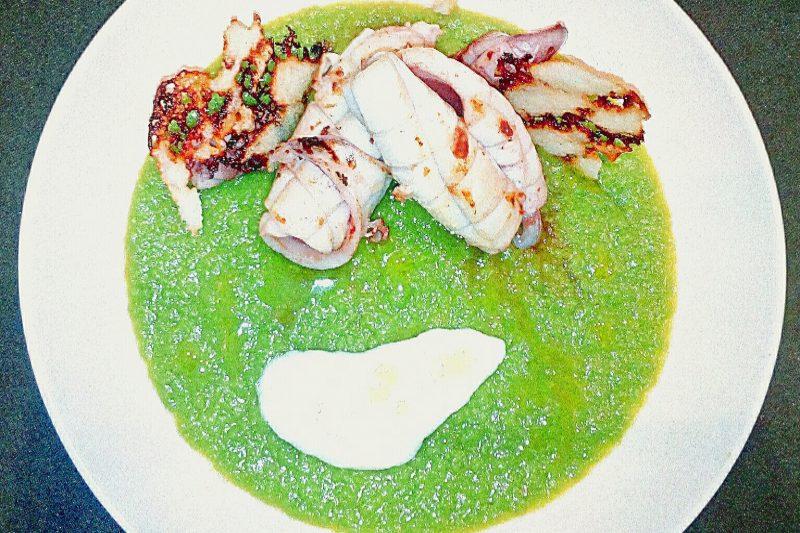 Calamari e Piselli con Cialde di Grana Padano e Salsa Yogurt