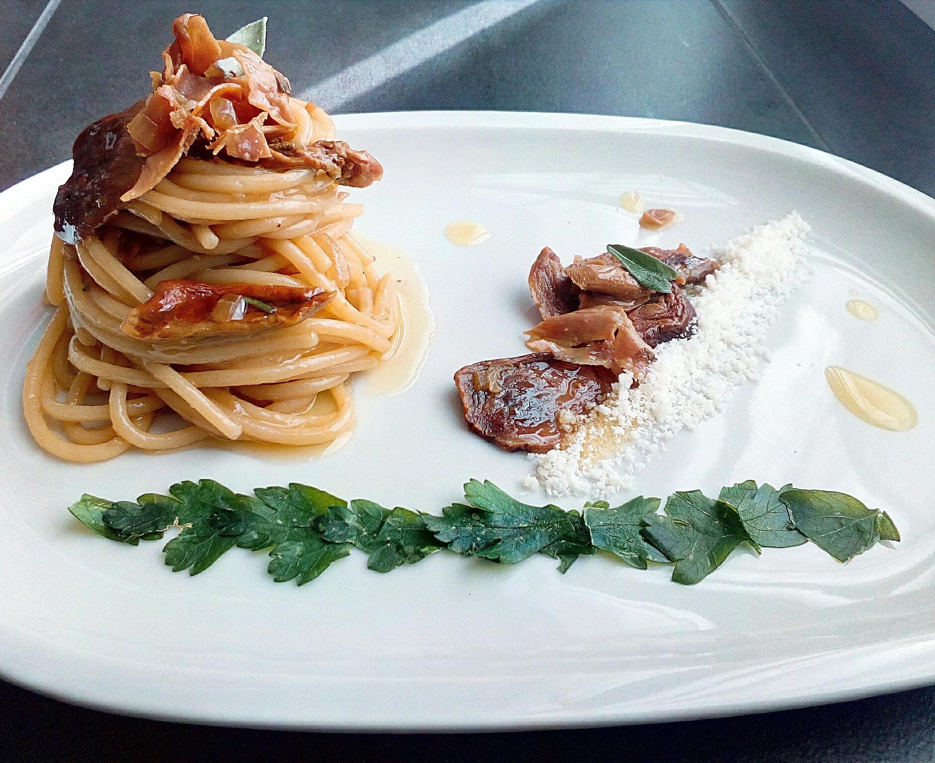 Spaghetti ai Porcini e Crudo con Salvia e Prezzemolo