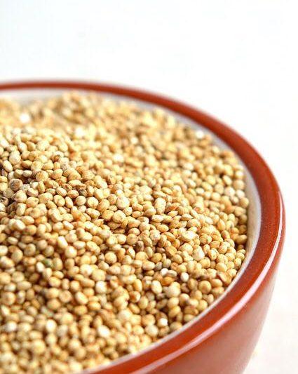 Quinoa: i benefici del superfood che migliora la vita e l'organismo