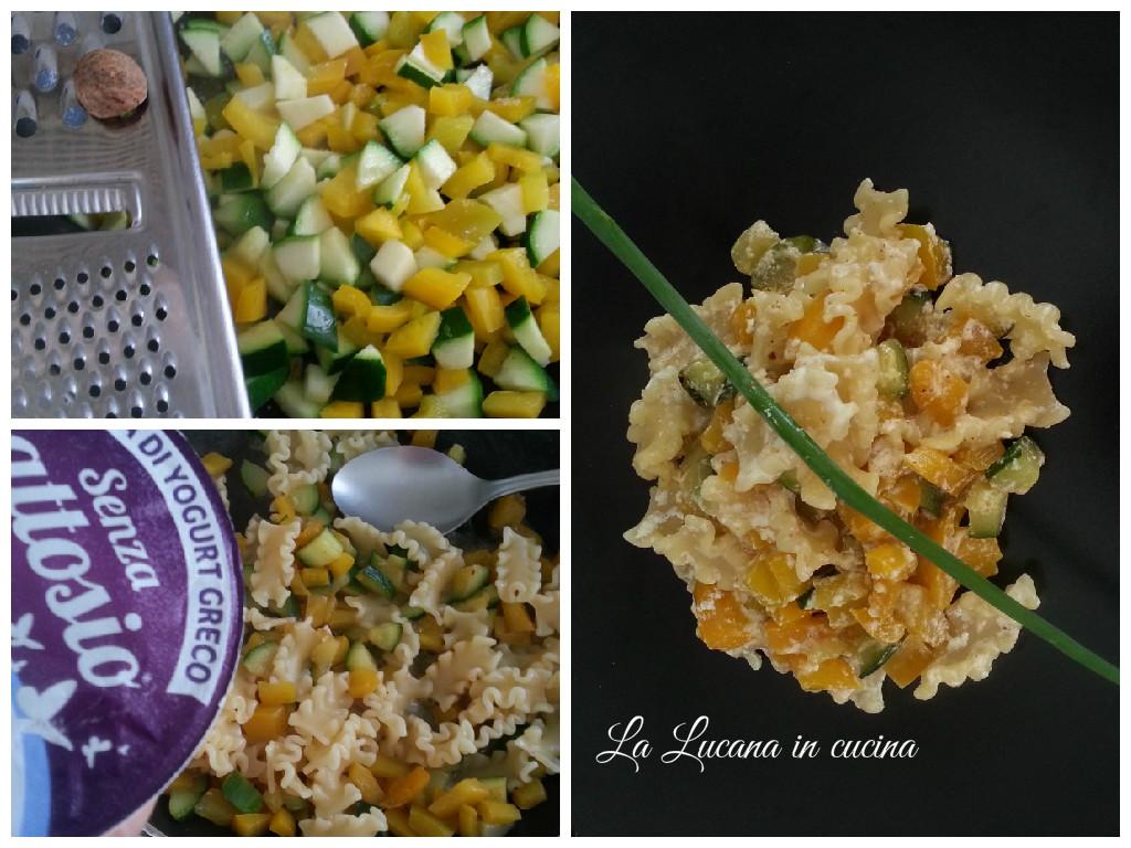 Pasta zucchine, peperoni e yogurt greco