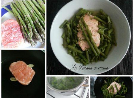 Zuppa di asparagi e salmone