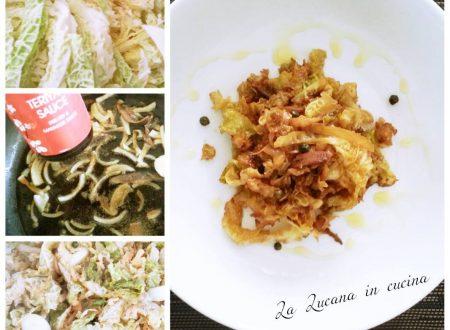 Verza con salsa di soia e acciughe
