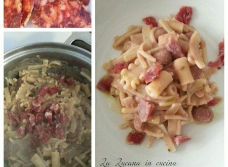 Pasta e fagioli con salsiccia lucana