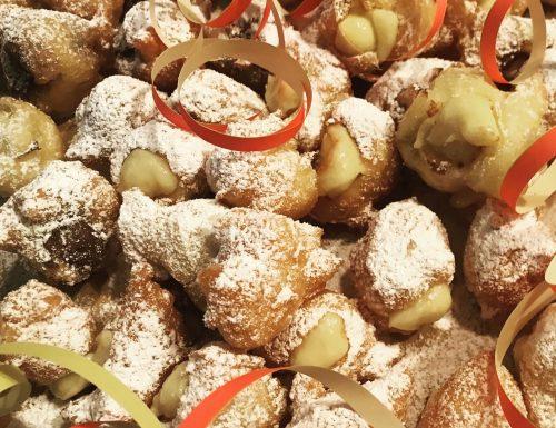 Castagnole fritte di Carnevale ripiene con crema pasticcera e Nutella🎉🎭