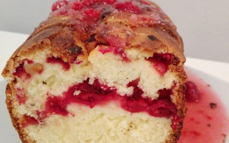 Raspberry yogurt cake