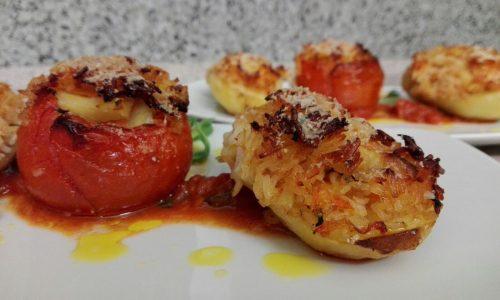 Patate e pomodori ripieni
