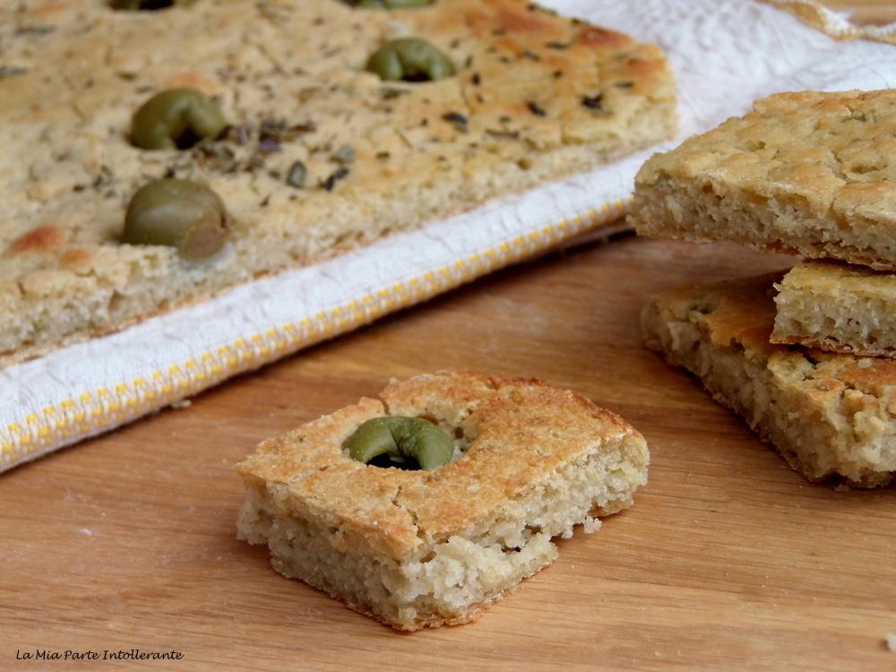 Ricetta Pasta Con Farina Di Quinoa.Focaccia Con Farina Di Quinoa E Olive