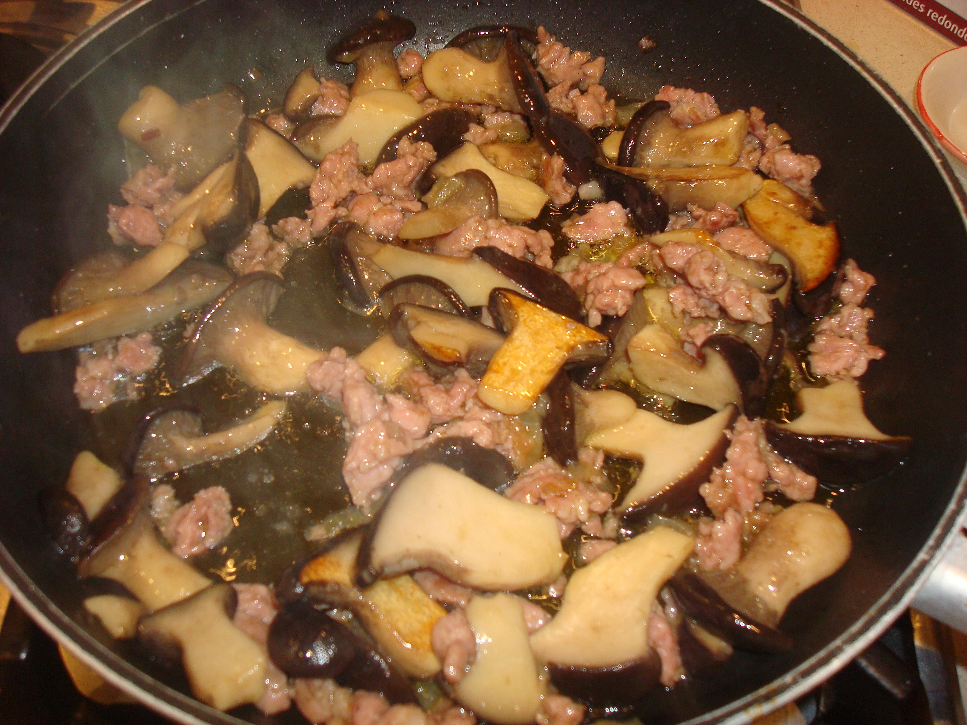 Ricette di pasta con funghi cardoncelli