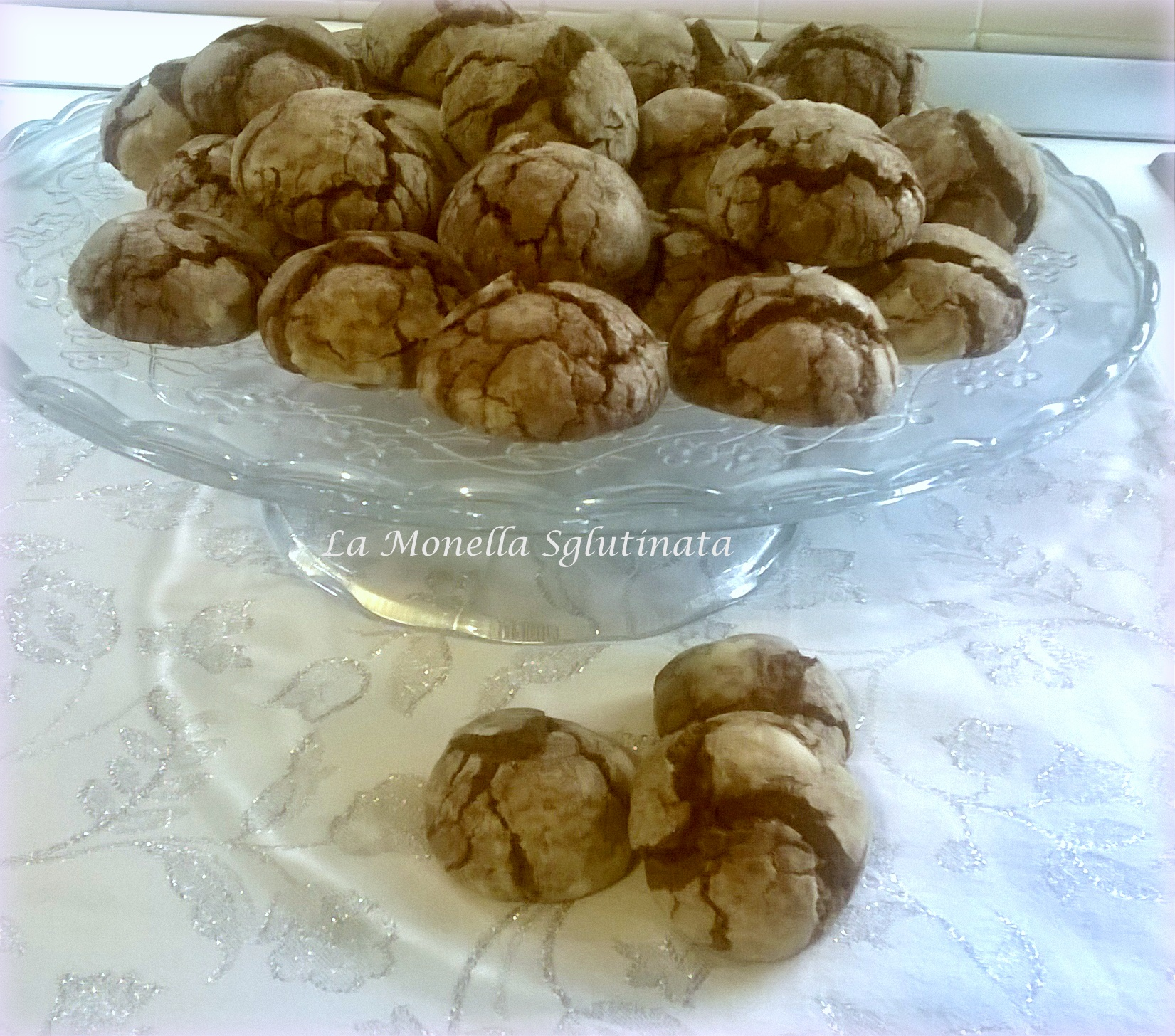 Biscotti morbidi al cioccolato della