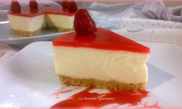Cheesecake con panna ai lamponi senza glutine