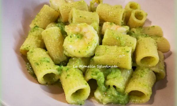 Mezze maniche con  zucchine e gamberoni