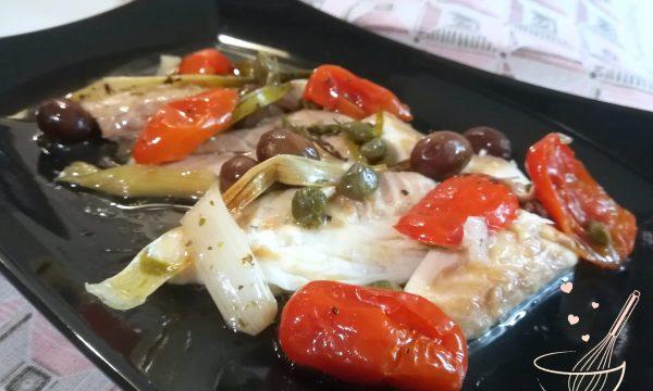 Orata al cartoccio con olive pomodorini e timo