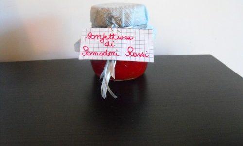 Confettura di pomodori rossi