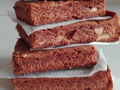 Brownies al cioccolato e arachidi salate