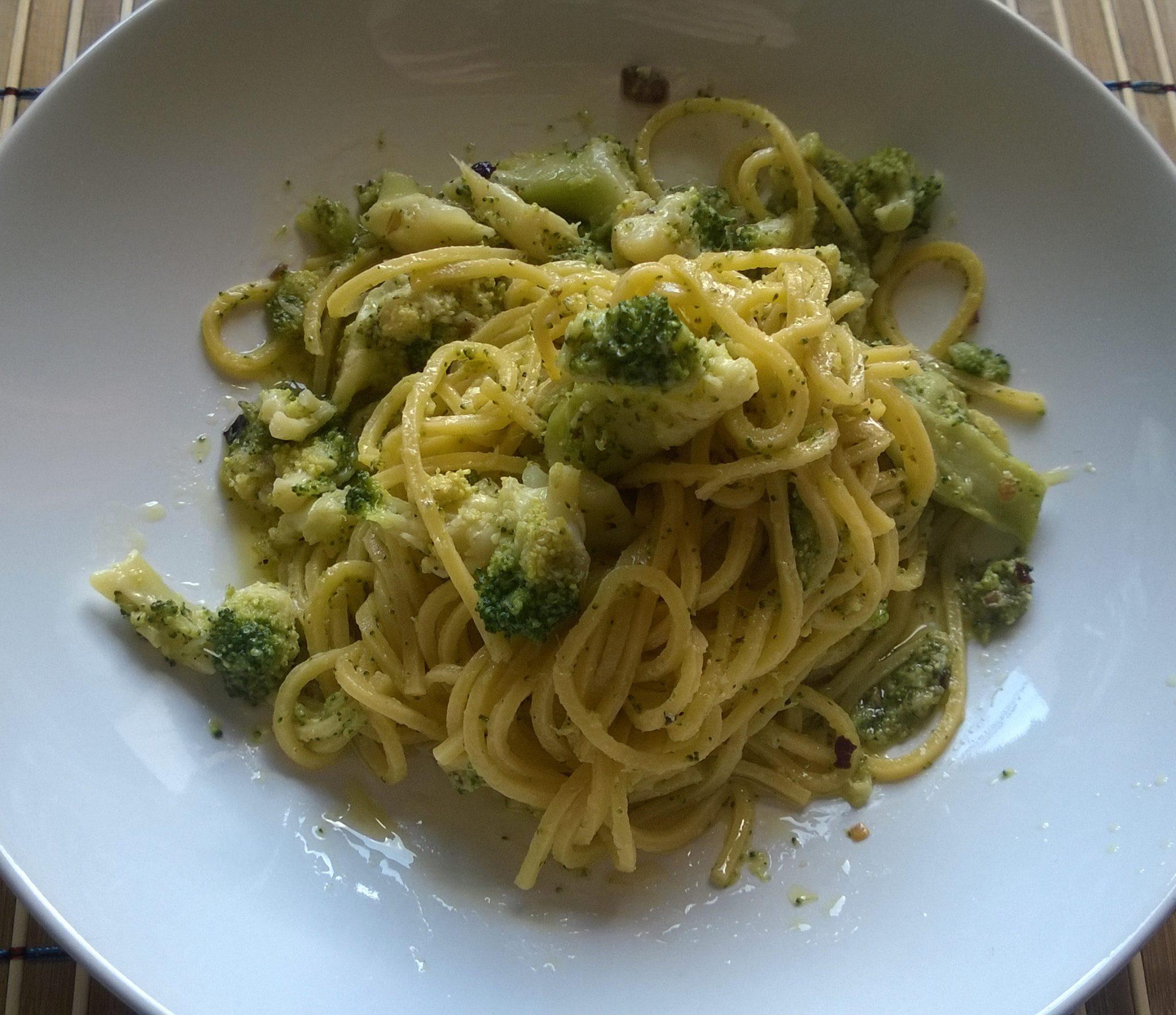 Spaghetti alla chitarra con broccoletti di cavolo