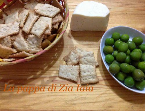 Crackers all'olio di oliva e origano
